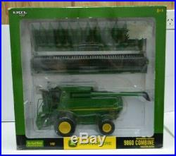 132 Scale John Deere 9860 Combine Harvester With Two Heads Collector Edition