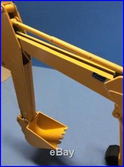 ERTL Yellow JOHN DEERE EXCAVATOR Diecast CONSTRUCTION Track Loader Shovel
