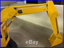 ERTL Yellow John Deere Excavator / Track Loader / Shovel
