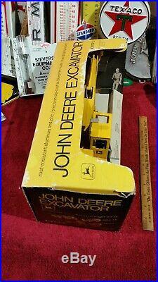 Ertl John Deere excavator Vintage Construction farm tractor toy Box