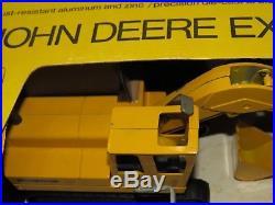 Vintage JOHN DEERE Excavator 1/25 Black Yellow Box 690 Slick Box RARE! Ertl 1970